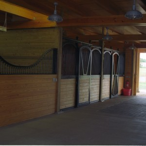 Custom Stable Stall front on a 14x14 stall curved partition grill at the grooming Stall